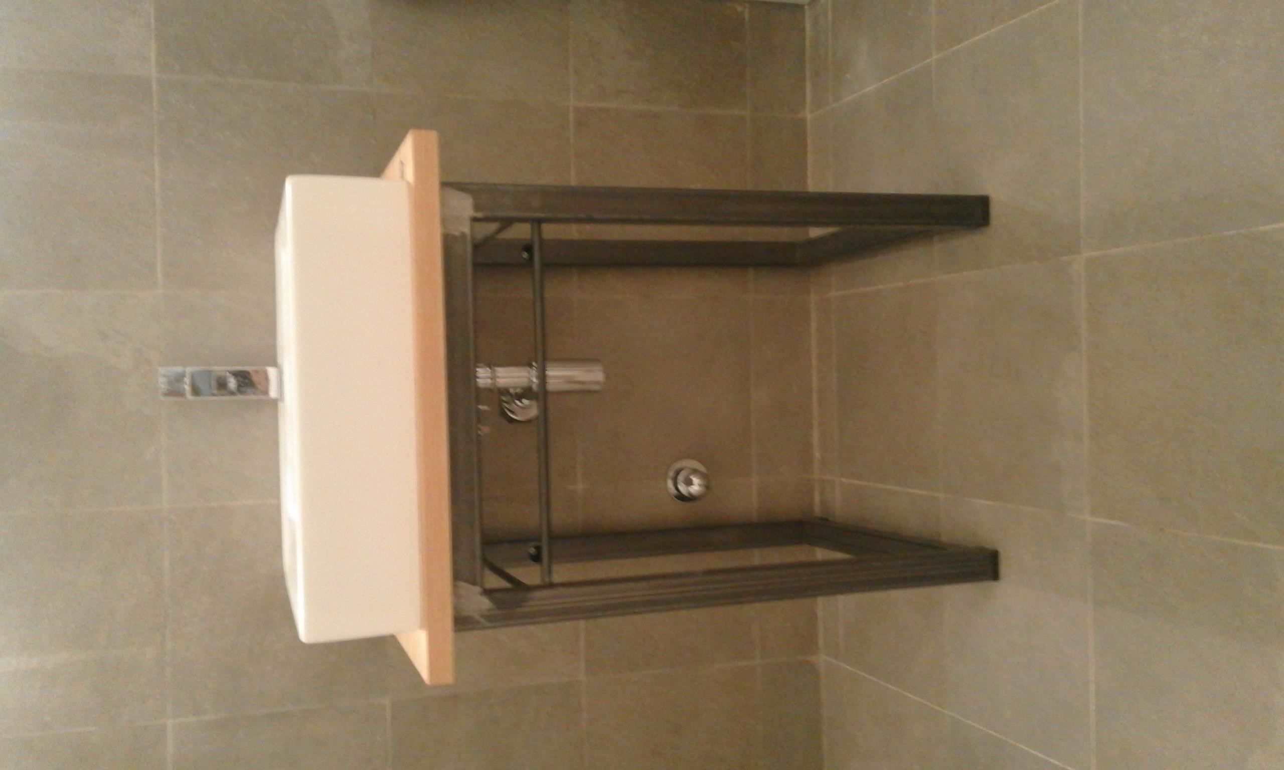 Matteo ceccarelli mobili bagno for Mobili in metallo